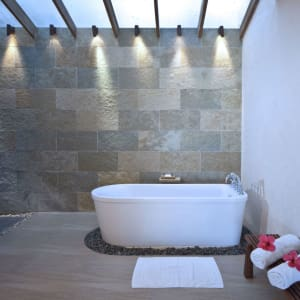 Bluewater Maribago Beach Resort à Cebu: Premier Deluxe | Bathroom