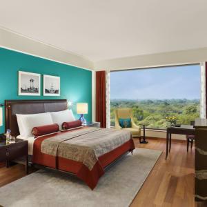 The Oberoi in Delhi: Premier Plus | Bedroom