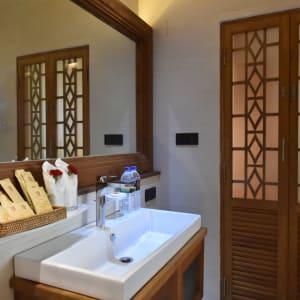 Rupar Mandalar in Mandalay:  Premier Suite   Bathroom