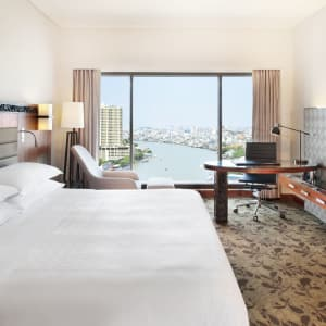 Royal Orchid Sheraton in Bangkok: Premium Deluxe Riverview