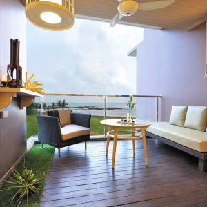 The Sands Khao Lak by Katathani: Seaside Junior Suite | Balcony (Seaside Wing)