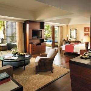 Shangri-La's Boracay Resort & Spa: Seaview Suite