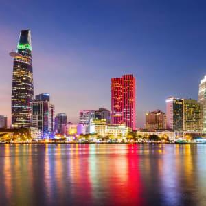 Vietnam Erlebnisreise - Von Hanoi zum Mekong Delta: Saigon night shot