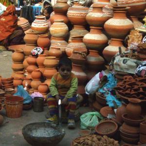 Unterwegs mit einstigen Strassenkindern in Delhi: Salaam Baalak Market