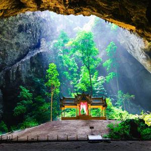 Circuit en voiture de location au sud de Bangkok: Sam Roi Yod National Park Cave Phrayanakorn