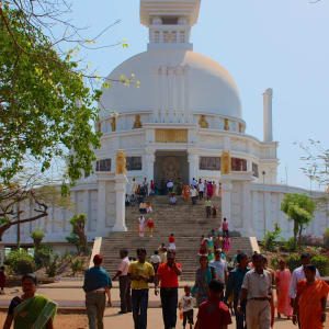 Odisha, terre des temples de Bhubaneswar: Shanti Stupa in Dauli