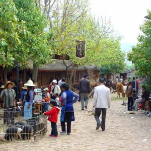 Circuit spectaculaire du Yunnan au Tibet de Kunming: Shaxi: Market
