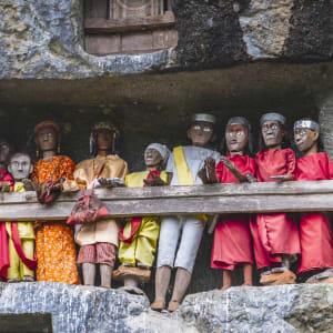 Sulawesi - au pays des Toraja de Makassar: Sulawesi Toraja Lemo Graves