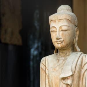 Mietwagenrundreise Goldenes Dreieck ab Chiang Mai: Thailand: wooden Buddha Statue