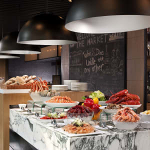 Hotel ICON in Hong Kong: The Market | Buffet Cold Cuts station