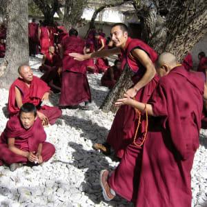 Circuit spectaculaire du Yunnan au Tibet de Kunming: Tibetan Monks Lhasa Sera Monastery
