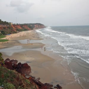 Velotour durch Kerala ab Kovalam: Varkala: Cliff and beach