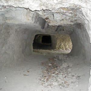 Unbekanntes Paradies Timor-Leste ab Dili: Venilale: Japanese tunnels from World War II