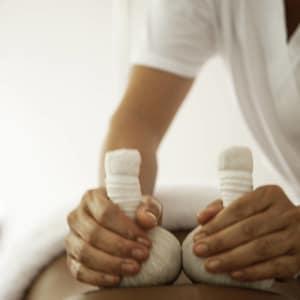 COMO Uma Ubud: Back Massage with Bolus