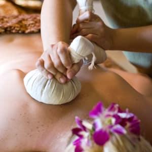 Anantara Mai Khao Phuket Villas: Massage Thai Lu Prakob