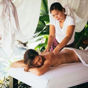 Atmosphere Resort in Negros: Massage treatment