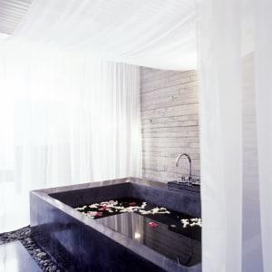 SALA Phuket Mai Khao Beach Resort: spa
