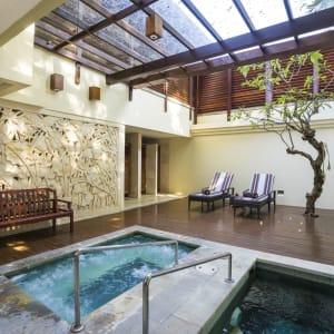 Nusa Dua Beach Hotel & Spa à Sud de Bali: Spa Jacuzzi