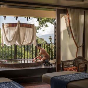 Anantara Golden Triangle Elephant Camp & Resort à Triangle d'Or: Spa Treatment Room