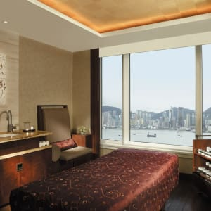 The Peninsula Hong Kong: Spa Treatment Room Harbour View