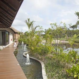 The Royal Sands Koh Rong in Sihanoukville & Inseln:  Spa Walkway