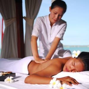 Zazen Boutique Resort & Spa in Ko Samui: Treatment on the Beach