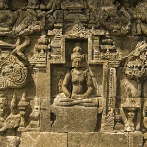Java-Bali Kompakt ab Yogyakarta: Yogyakarta Borobudur Story of Buddha in a wall