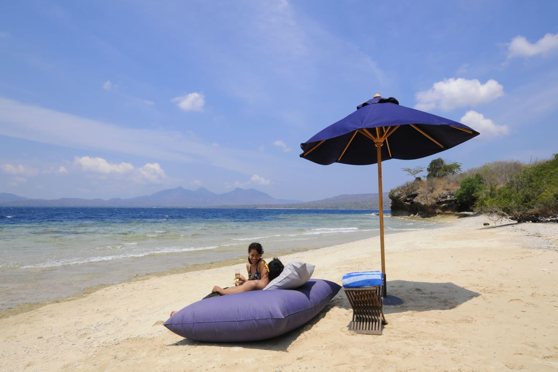 beach: Menjangan island