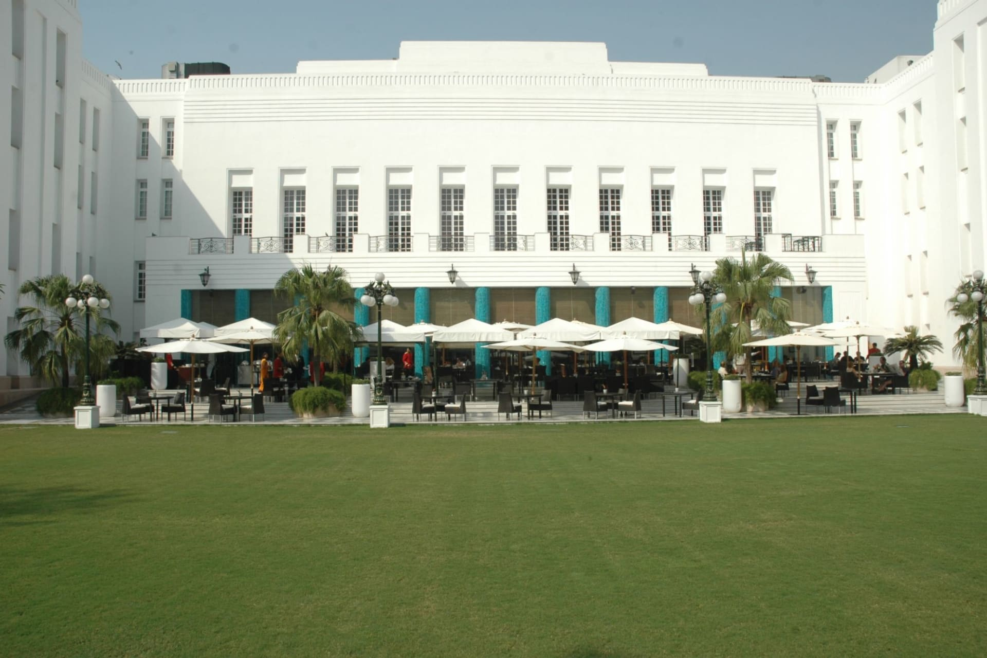 exterior: 1911 lawns with blue pillars