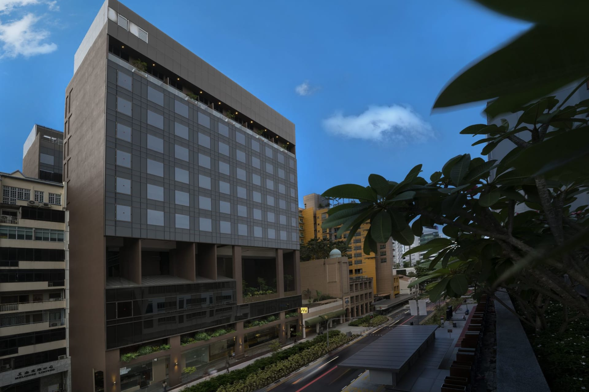 exterior: Hotel building