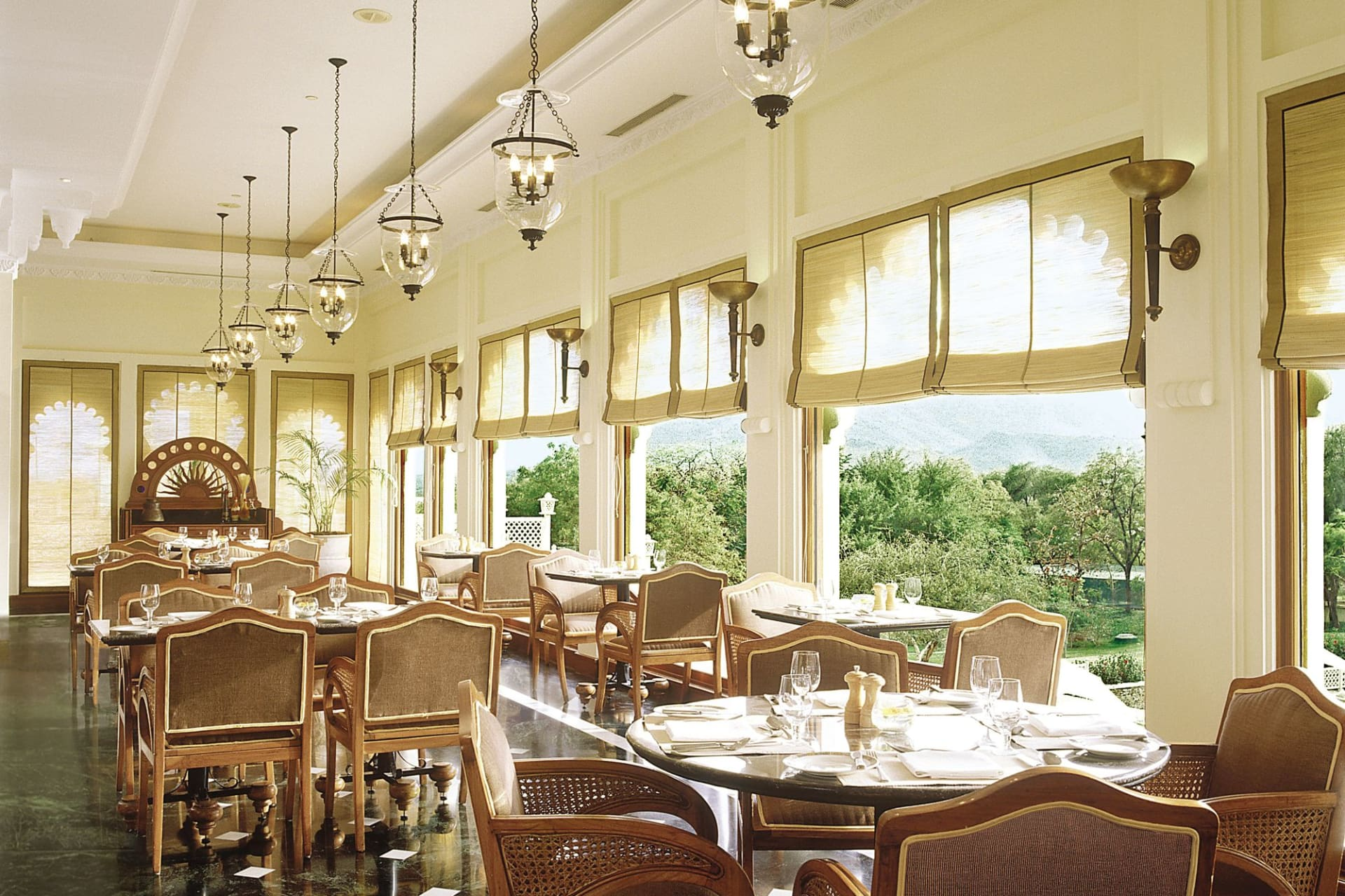 f&b: Aravalli Restaurant