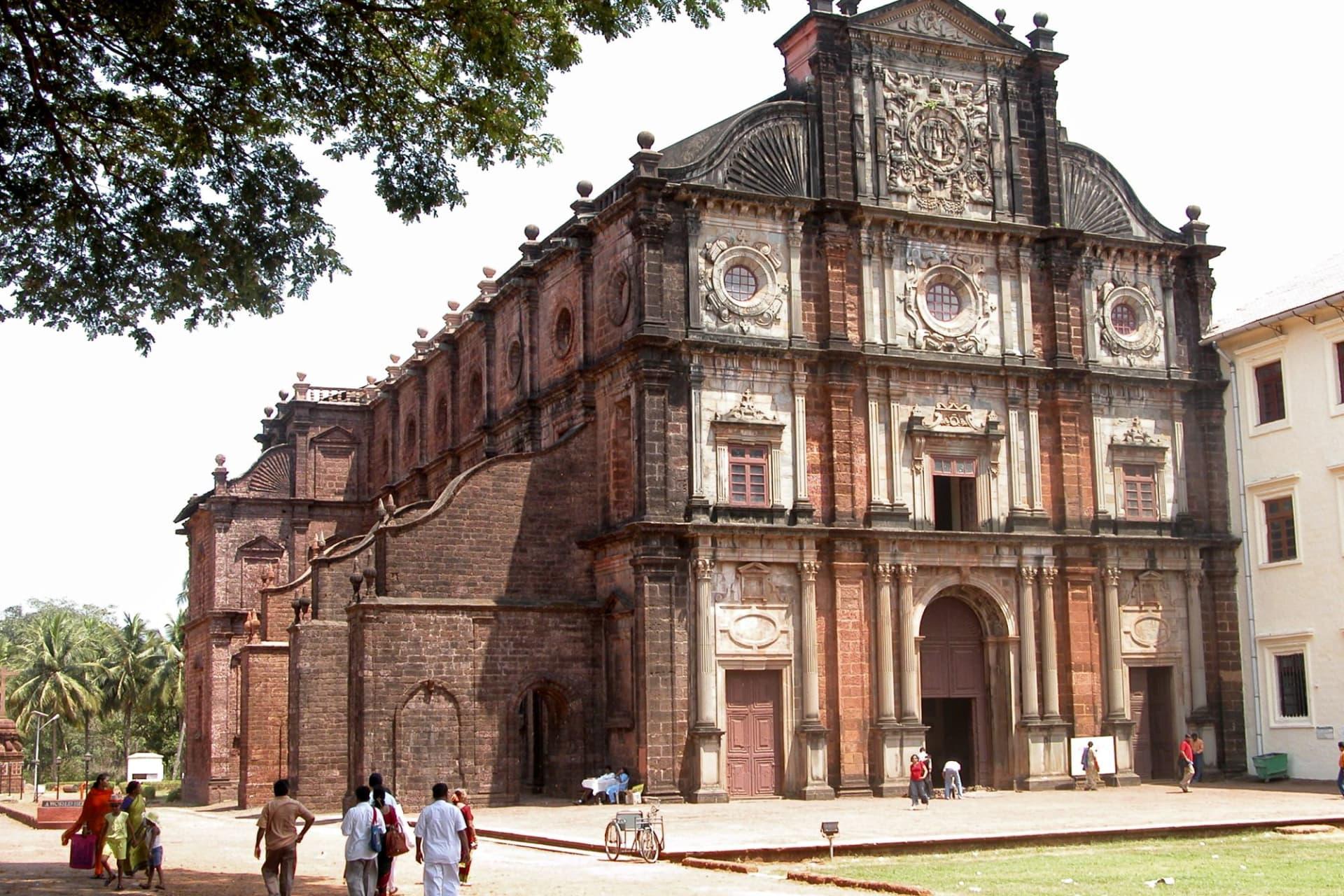 Goa Basilica of Bom Jesus 001 - G