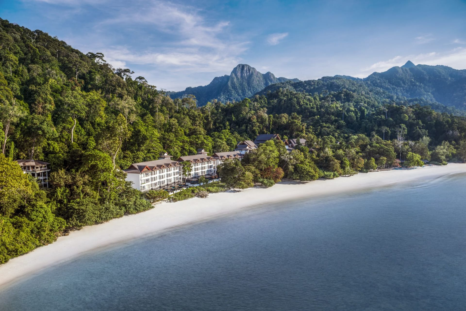 location: The Andaman uniquely set in the rainforest between the Mat Cincang mountain