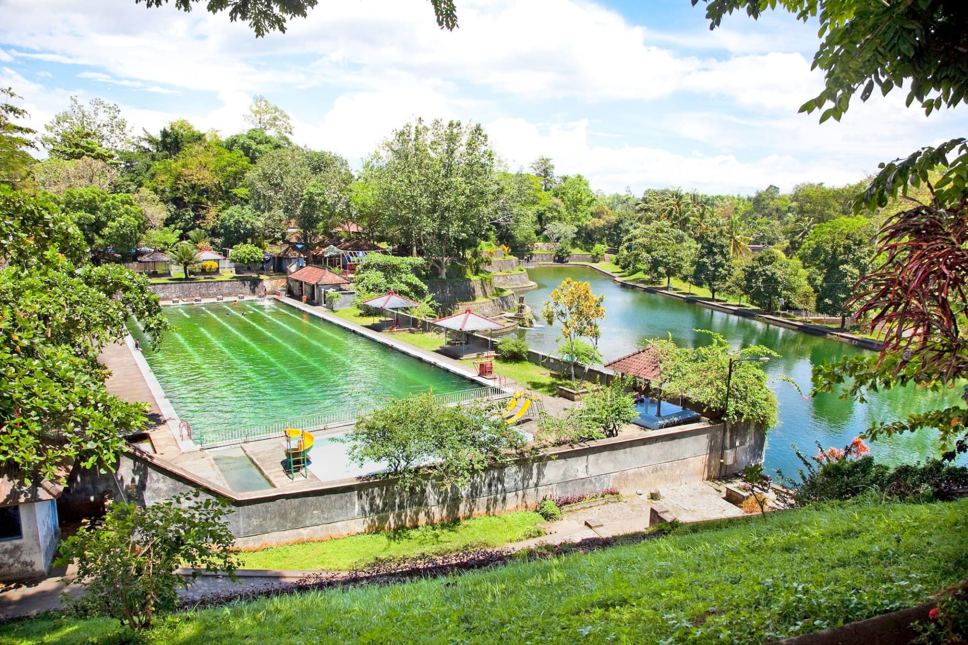 Lombok Narmada Pool Complex