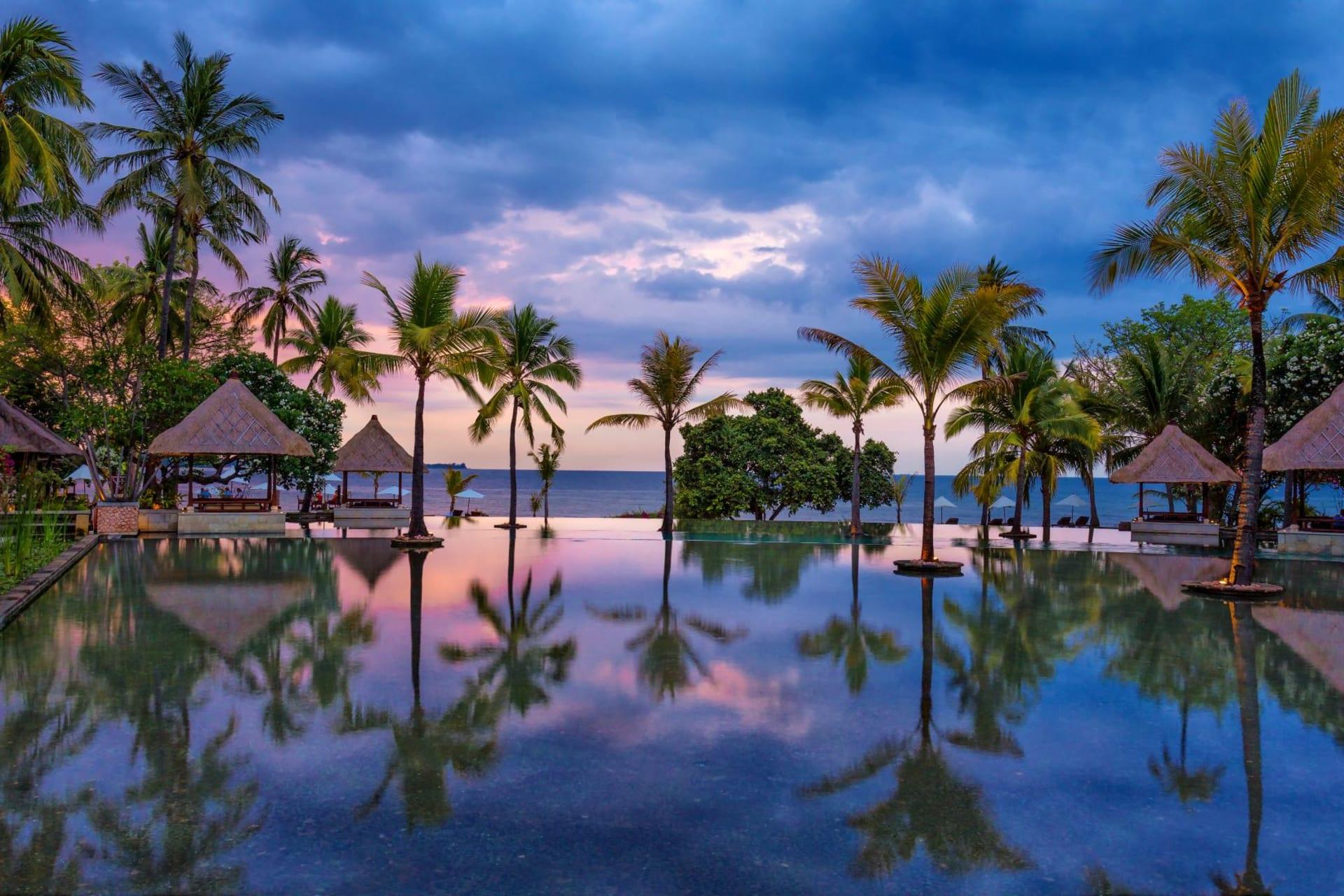 pool: Infinity pool sunset
