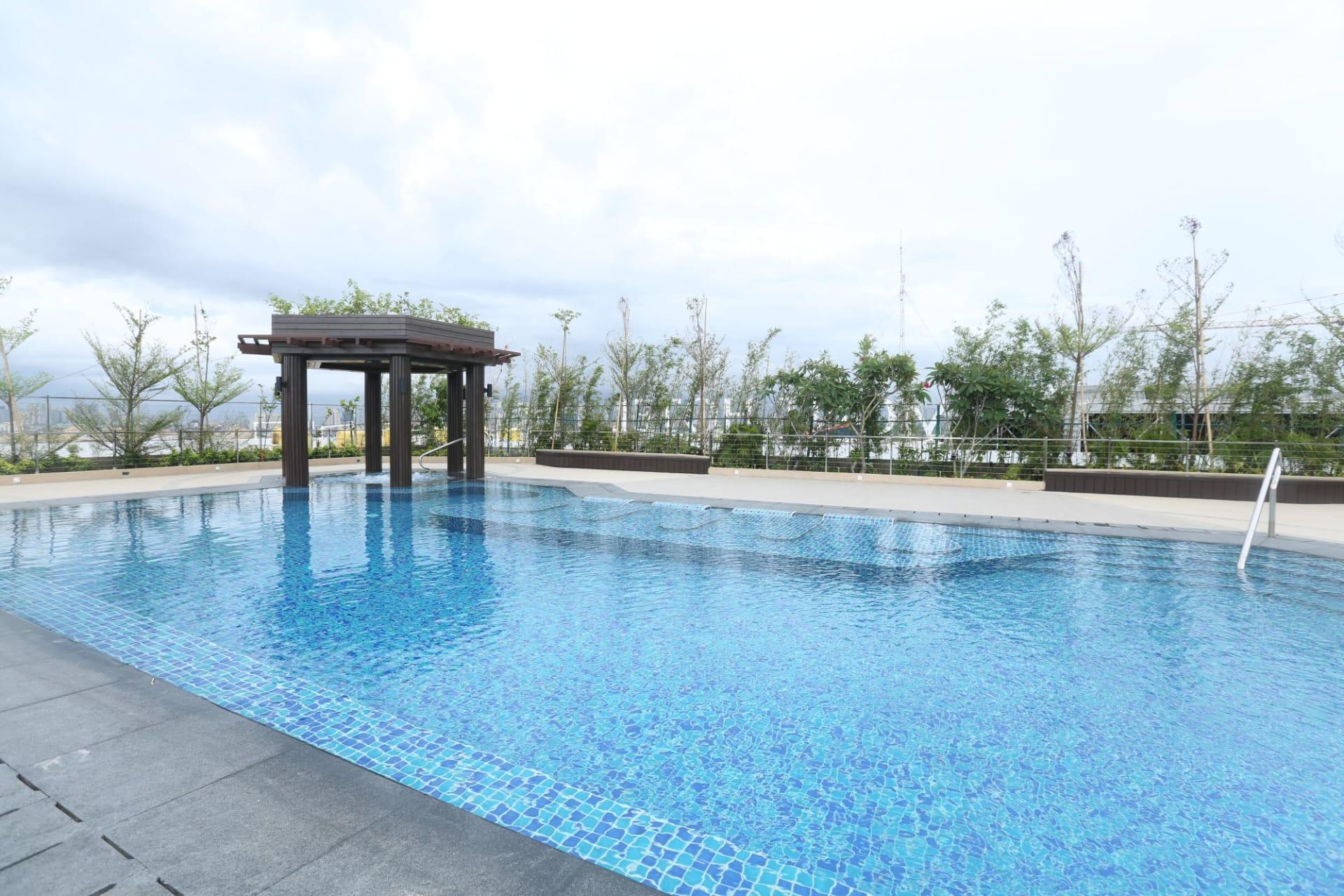 pool: Swimmingpool
