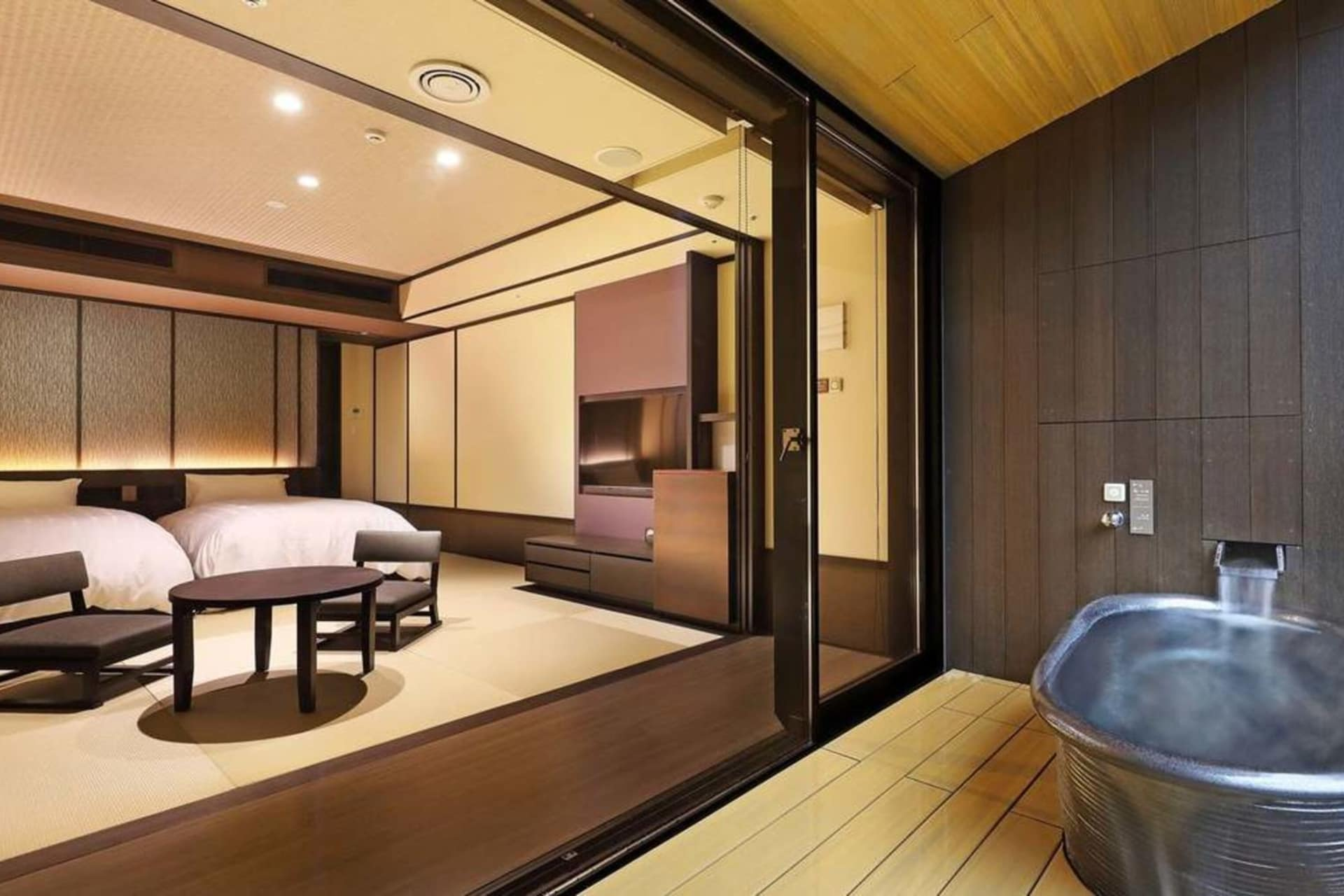 room: Deluxe Japanese room w open air bath