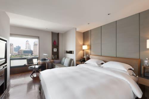 Les Suites Orient on the Bund