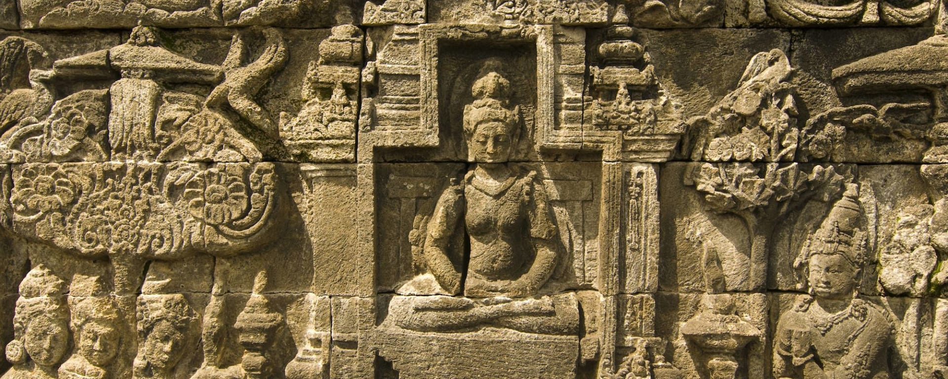 Tour de ville & Temple de Borobudur à Yogyakarta: Yogyakarta Borobudur Story of Buddha in a wall