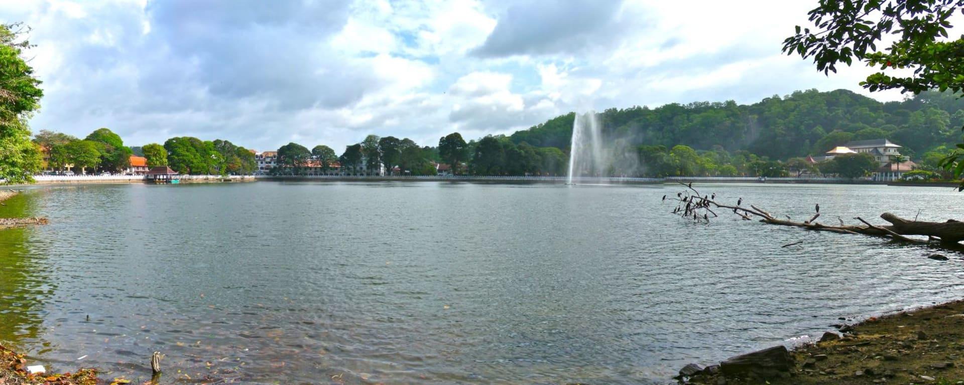 Le Sri Lanka pour les fins connaisseurs de Colombo: Kandy: Lake