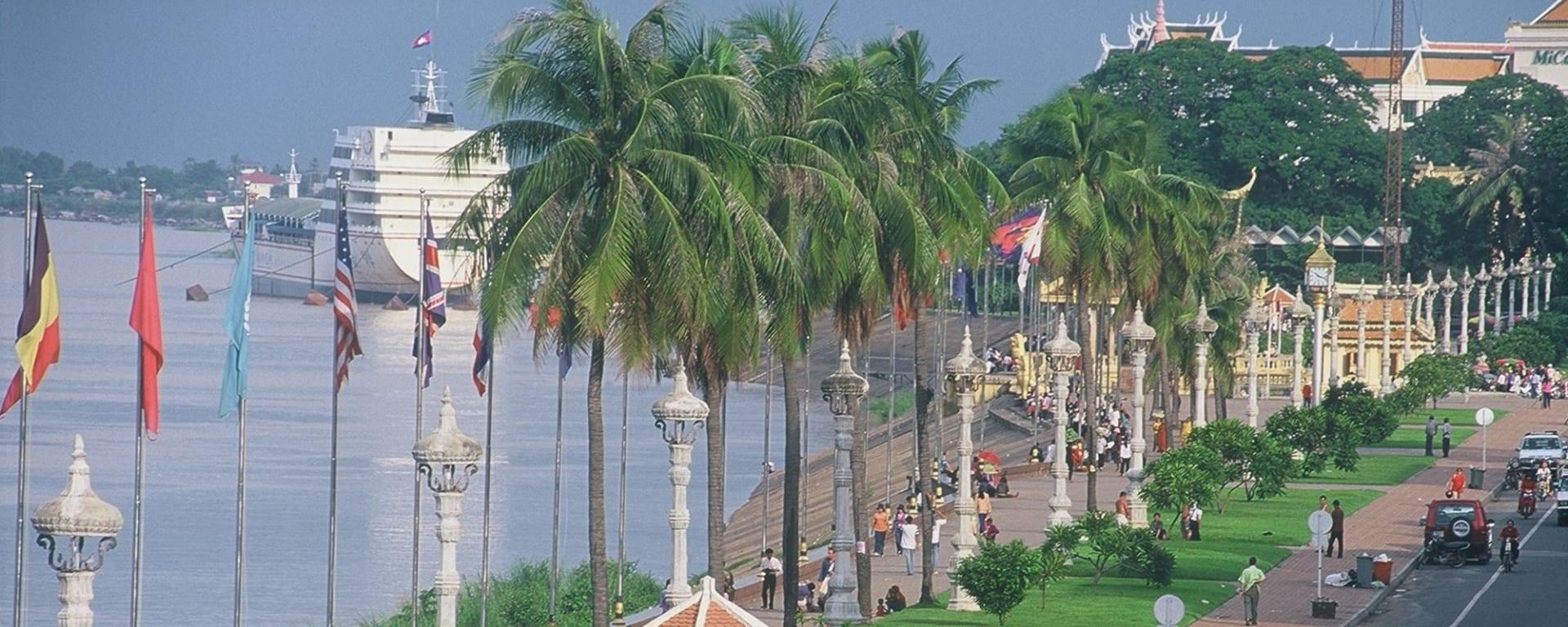 Tour de ville en Tuk Tuk à Phnom Penh: Phnom Penh River Promenade