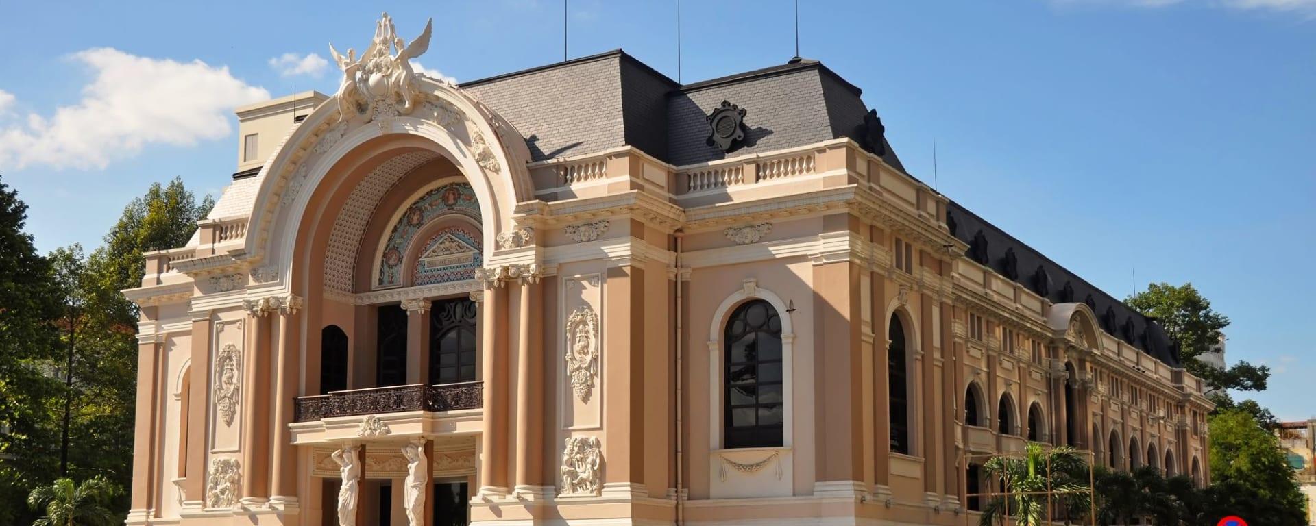 Stadtrundfahrt Saigon - halber Tag: Saigon: Opera