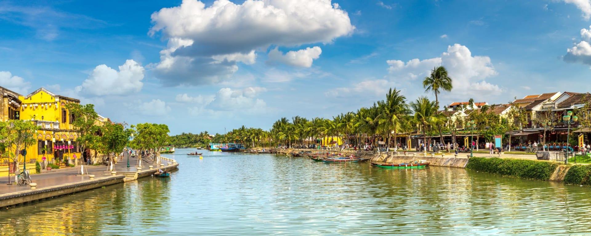 Vietnam Erlebnisreise - Von Hanoi zum Mekong Delta: Hoi An on a summer day
