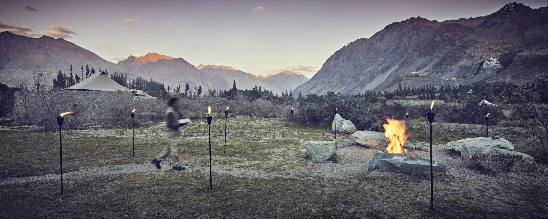 Le Ladakh luxueux de Leh: nubra valley bonfire