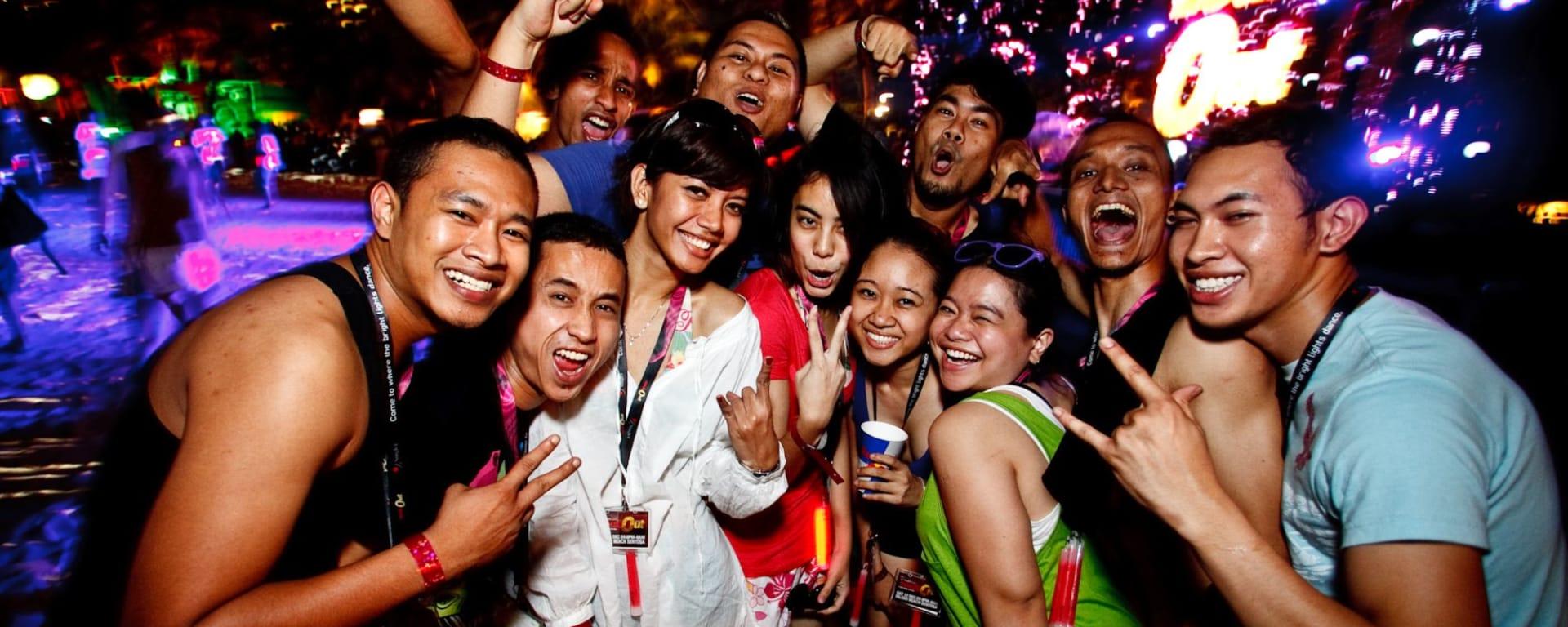 Wissenswertes zu Singapur Reisen und Ferien: Party People