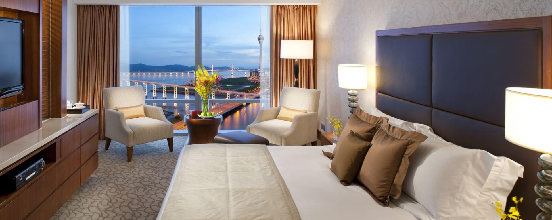 Mandarin Oriental Macau à Macao: Deluxe Lake View