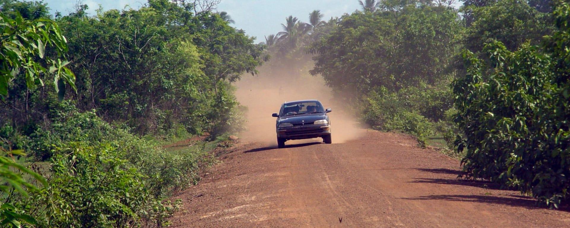 Traversée de Phnom Penh à Angkor: Cambodia country road