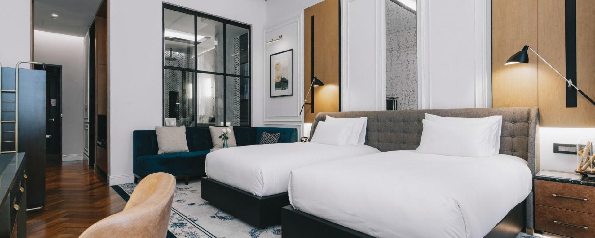 Yangon Excelsior: Deluxe | Bedroom