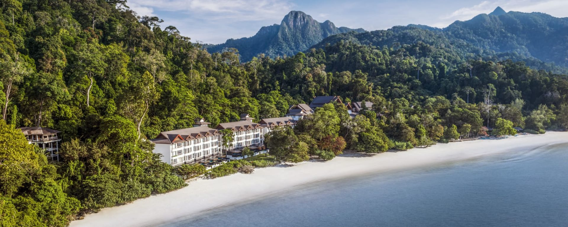 The Andaman à Langkawi: The Andaman uniquely set in the rainforest between the Mat Cincang mountain