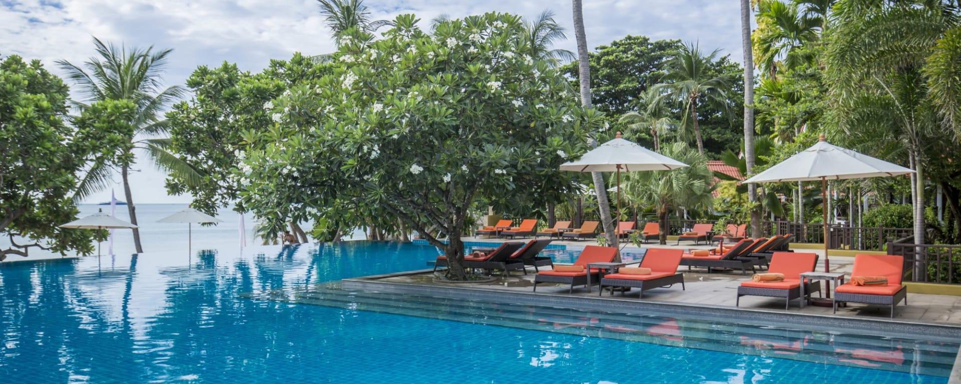 New Star Resort à Ko Samui: Pool with sunbeds